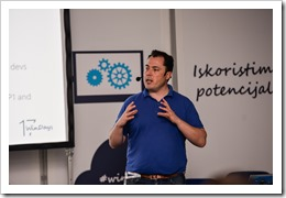 Presenting on why we need Azure Active Directory (picture by WinDays organization)