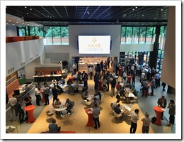 Lunch in the lobby at the KNVB Campus (click for larger photo by Carlo Schaeffer)