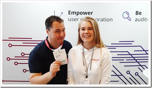 Having fun with Julia Ivanova at the Netwrix booth (click for larger photo)
